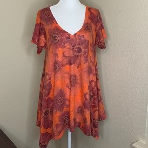 💜Nally and Millie Flora Tunic Top Size Small